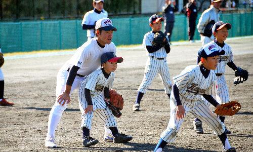 浦学、石巻の少年チームと交流 野球で広がる笑顔の輪