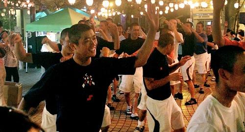 浦和学院、初戦の疲れ癒やす 甲子園観戦や盆踊り