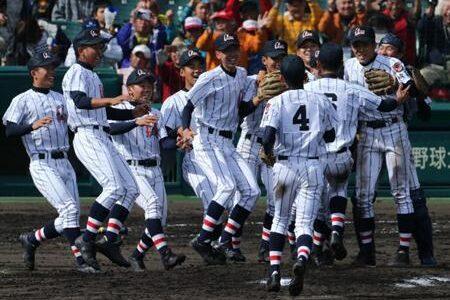 浦和学院が初優勝 済美に17点大勝 選抜高校野球