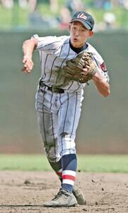 <ヒーロー>二人三脚 Vつかむ 浦和学院1年・津田翔希二塁手