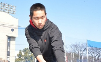 「全国」で勝たせたい 浦学・後輩支える「学生コーチ」 高橋友人君(3年)