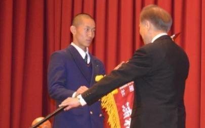 <浦和学院だより>「目指すは全国制覇」 選抜旗授与式で決意
