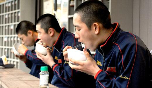 <浦和学院だより>力の源、山盛りご飯 日々の食事で体づくり