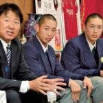 全国制覇を誓う(左から)森監督、津田主将、山崎副主将=さいたま市役所で