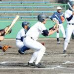 バントゲームで調整する幸喜(中央)ら浦和学院ナイン=20日午後、兵庫県伊丹市の伊丹スポーツセンター