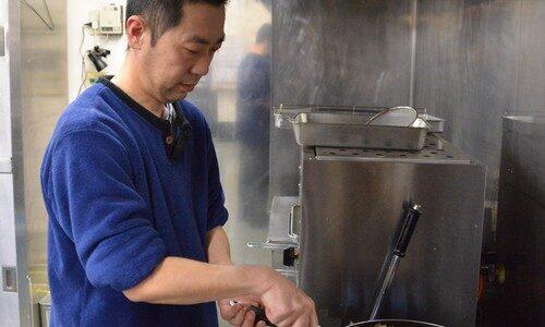 第87回センバツ:食で強さを支え 体づくりに貢献 調理師・金子誠さん