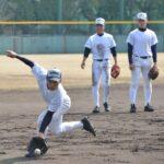 龍谷大平安との初戦に向け、調整する選手たち=兵庫県西宮市で
