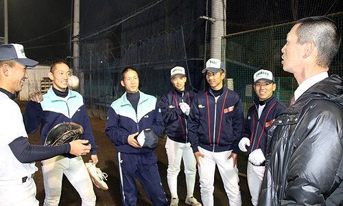 第87回センバツ:4強入り 浦和学院支える元プロ三浦貴コーチ