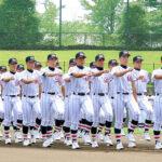 選抜高校野球大会4強の浦和学院が堂々と入場行進する