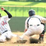 浦和学院-南稜 8回裏浦和学院1死満塁、高橋の右犠飛で三塁走者江口が生還。捕手渡辺