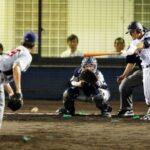 5回裏1死二塁、津田は右前適時打を放つ