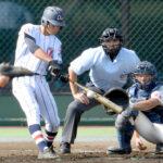 浦和学院-花咲徳栄 1回裏浦和学院無死一、三塁、諏訪が右前に先制適時打を放つ。捕手野本