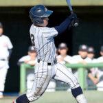 4回裏浦和学院無死、前田が左越えソロ本塁打を放つ