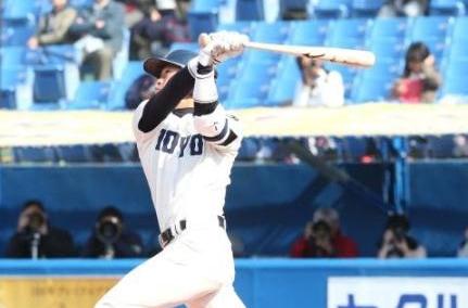 東洋大の主将笹川、値千金2ラン 東都大学野球