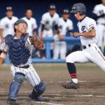 8回裏日本航空1死二塁、継投した浦和学院の黒川が適時中前打を浴び、二塁走者に決勝の生還を許す。捕手梶山