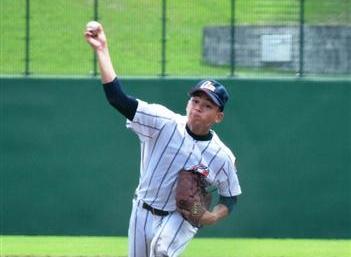 浦学、エースが投打で輝き 坂戸に競り勝つ 高校野球埼玉大会