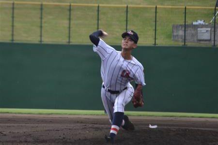 浦和学院が準決勝進出 右腕・渡辺が7回1安打無失点と好投