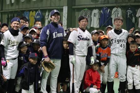 元ヤクルト・坂元弥太郎氏が野球教室「素質いい子がたくさん」